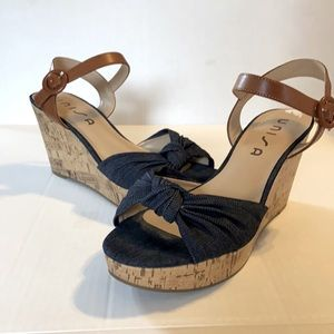 Usina Size 9.5 Women's Wedge Sandals Shoes Blue